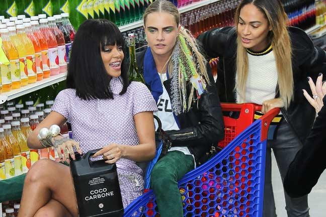 rihanna-cara-and-joan-hit-the-chanel-supermarket-136388146376303201